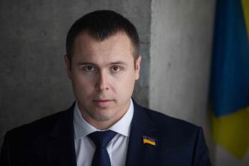 Необхідність відставки міністра оборони зараз очевидна, — Роман Костенко